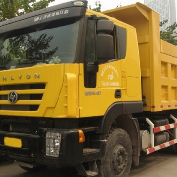 Made in China Iveco Genlyon 6X4 Dump TruckImage