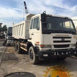 Used Nissan Dump Truck 10tyres Tipping Truck 7 Ton Truck